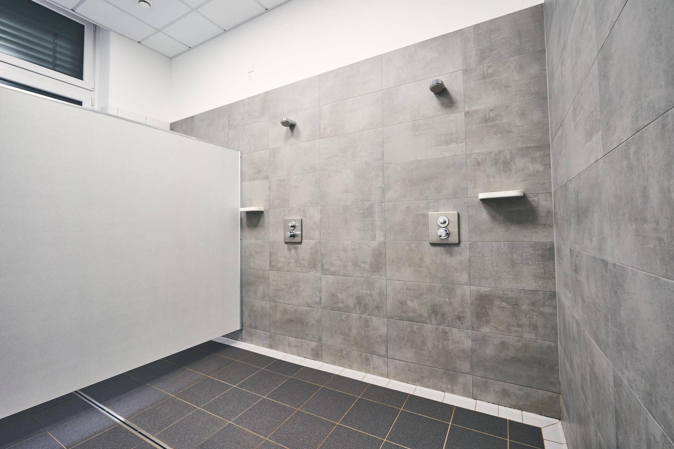 Diese Abbildung zeigt eine Dusche